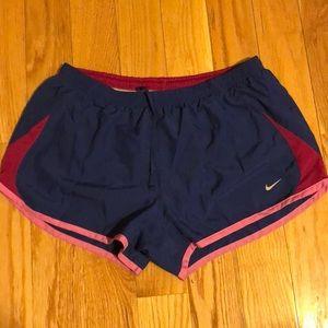 Nike shirts: L
